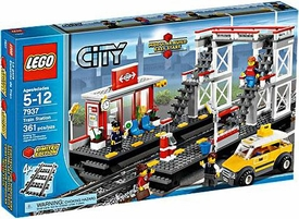 LEGO City Exclusive Set #7937 Train Station