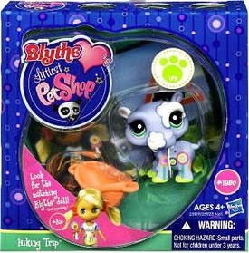 Littlest Pet Shop Blythe Loves Postcards Series 1 Figure Hiking Trip Hippo