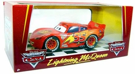 Disney / Pixar CARS Movie Exclusive 1:24 Scale Die Cast Deluxe Vehicle Lightning McQueen