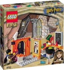 LEGO Harry Potter and the Sorcerer's Stone Set #4721 Hogwarts Classroom