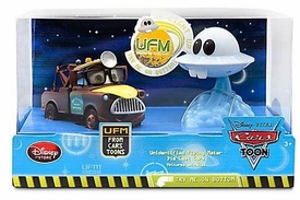 Disney / Pixar CARS TOON Exclusive 1:48 Die Cast 2-Pack Unidentified Flying Mater Set [Dr Abschlepp Wagen & Mater] {Figures Light Up}