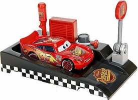 Disney / Pixar CARS Movie 1:55 Die Cast Car with Launcher Pit Row Race-Off Lightning McQueen #95
