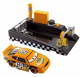 Disney / Pixar CARS Movie 1:55 Die Cast Car with Launcher Pit Row Race-Off Octane Gain #58