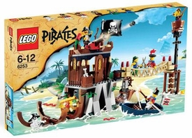 LEGO Pirates Exclusive Set #6253 Shipwreck Hideout