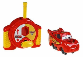 Disney / Pixar CARS 2 Movie Geotrax Turbo RC Vehicle Lightning McQueen