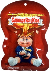 Topps Garbage Pail Kids Magnet Trading Cards Pack [4 Magnets & 1 Fruity Gummy Candy!]