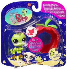 Littlest Pet Shop 2009 Assortment 'B' Series 1 Collectible Figure Inchworm with Apple [Special Edition Pet!]
