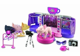 Teacup Piggies Deluxe Teacup Piggy Fashion Runway Playset [Includes Jorde' Figure]