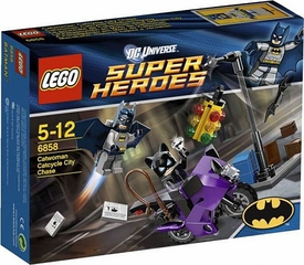 LEGO DC Universe Super Heroes Set #6858 Catwoman Catcycle City Chase