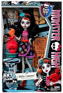 Monster High Classroom Deluxe Doll Art Class Skelita Calaveras
