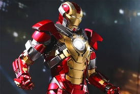 Iron Man 3 Hot Toys 1/6 Scale Collectible Figure Iron Man Mark 17 Heartbreaker Pre-Order ships August