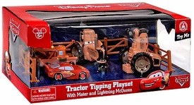 Disney / Pixar CARS Movie Exclusive 1:48 Plastic Playset Tractor Tipping [Plastic Mater, Plastic McQueen & 2 Plastic Tractors]