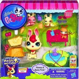Littlest Pet Shop Magic Motion Pets Mommy & Bunny Picnic