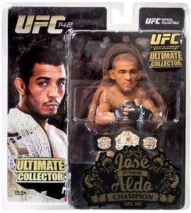 Round 5 UFC Ultimate Collector Series 12 CHAMPIONSHIP EDITION Action Figure Jose Aldo with Belt!