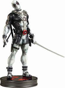 Sideshow Collectibles Marvel Premium Format Resin Statue Deadpool [X-Force] Pre-Order ships June
