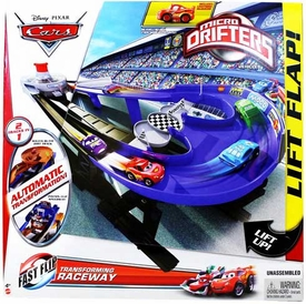 Disney / Pixar CARS Movie Micro Drifters Playset Transforming Raceway