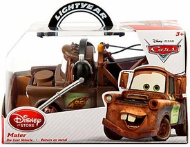 Disney / Pixar CARS Movie Exclusive 1:43 Die Cast Car Mater