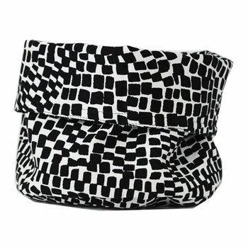 Marimekko Metropoli White/Black Bread Basket - Click to enlarge