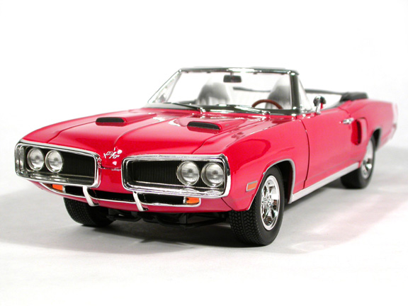 1970 Dodge Coronet R/T diecast model car 1:18 scale die cast by Leather Series Yat Ming - Red