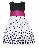 Black and White Resort Dot Sleeveless Party Dress  sold out