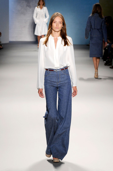 Wide-leg jeans and trousers