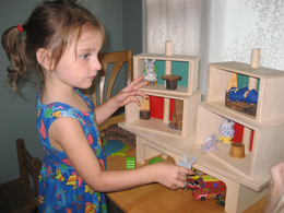 Beka Maple Wood DOLL HOUSE  - Click to enlarge