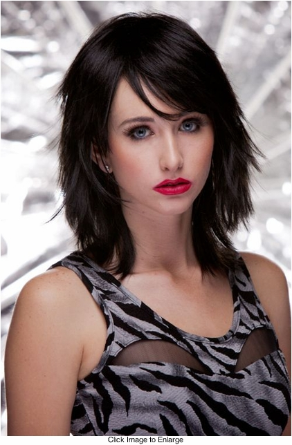 Vamp Shoulder Length Wig in Onyx Black