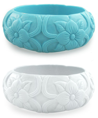 "1.15"" Chunky Acrylic Bracelet with Carved Flowers"