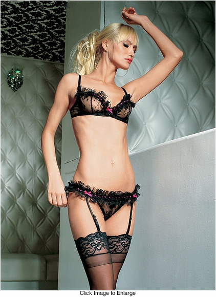 Lacy Under wire Bra and Garter Set