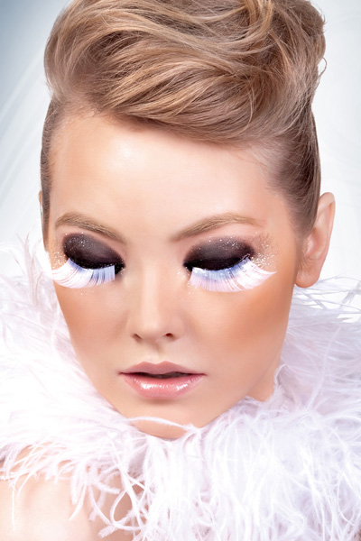 White/Grey Feather Lashes