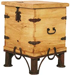 Laredo Trunk End Table