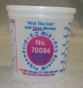 E-Z Mix 70086 2 1/2 Quart Plastic Mixing Cups - 25/Box - 80 oz