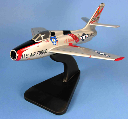 F-84F Thunderstreak USAF Model Airplane