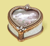 Edgar Berebi Serenade Heart Frame Box