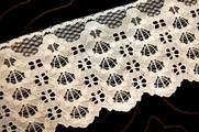 "4"" Cream Lace Trim #1093"