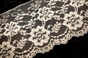 "6 1/2"" Natural White Raschel Floral Lace Trim #1072"