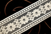 "2 1/8"" Natural White Floral Lace Trim #1192"