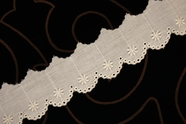 "1 1/4"" Off-White Floral Scalloped Eyelet Lace Trim #lace-184"