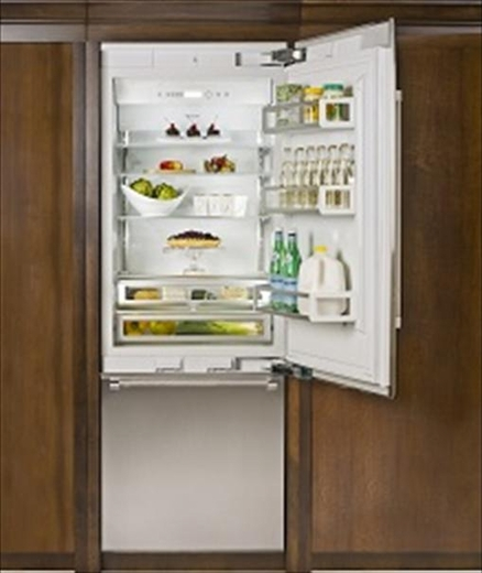 "T36BB810SS Thermador Freedom 36"" Pre-Assembled Built-In Bottom-Freezer Refrigerator with Masterpiece Handles - Stainless Steel"
