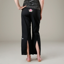 Be Present Lotus Agility Pant in Black w/ Pink Lotus