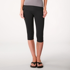 Beyond Yoga Fold Over Capri in Black