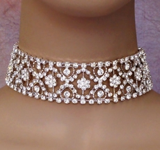 MOMENT OF BEAUTY RHINESTONE CHOKER SET