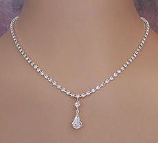IRRESISTIBLE CLEAR CRYSTAL JEWELRY SET