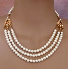 TAKE A BOW IVORY-GOLD PEARL WEDDING SET