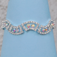 THE WAVE RHINESTONE BRACELET