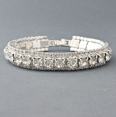 RODEO DRIVE ALL-CLEAR RHINESTONE BRACELET