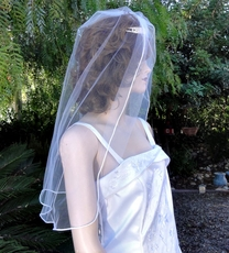 DUCHESS SINGLE TIER MID-BACK VEIL