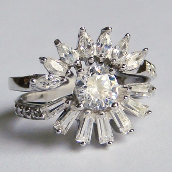 DAZZLING DAISY CZ RING<br>size 6, size 7