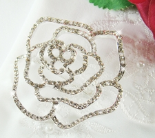 A Bridal Brooch Can Add the Final Flourish