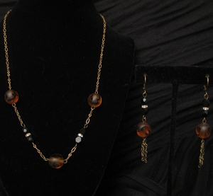 """18"""" Antique Gold with Tiger Glass Bead Set"""